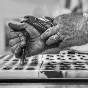 Mains artisan - Chocolaterie du Blason